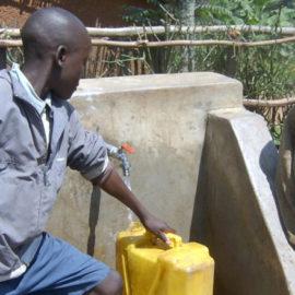 Besuch des Wasserleitungsprojektes 2007 im Sektor NYARUSIZA